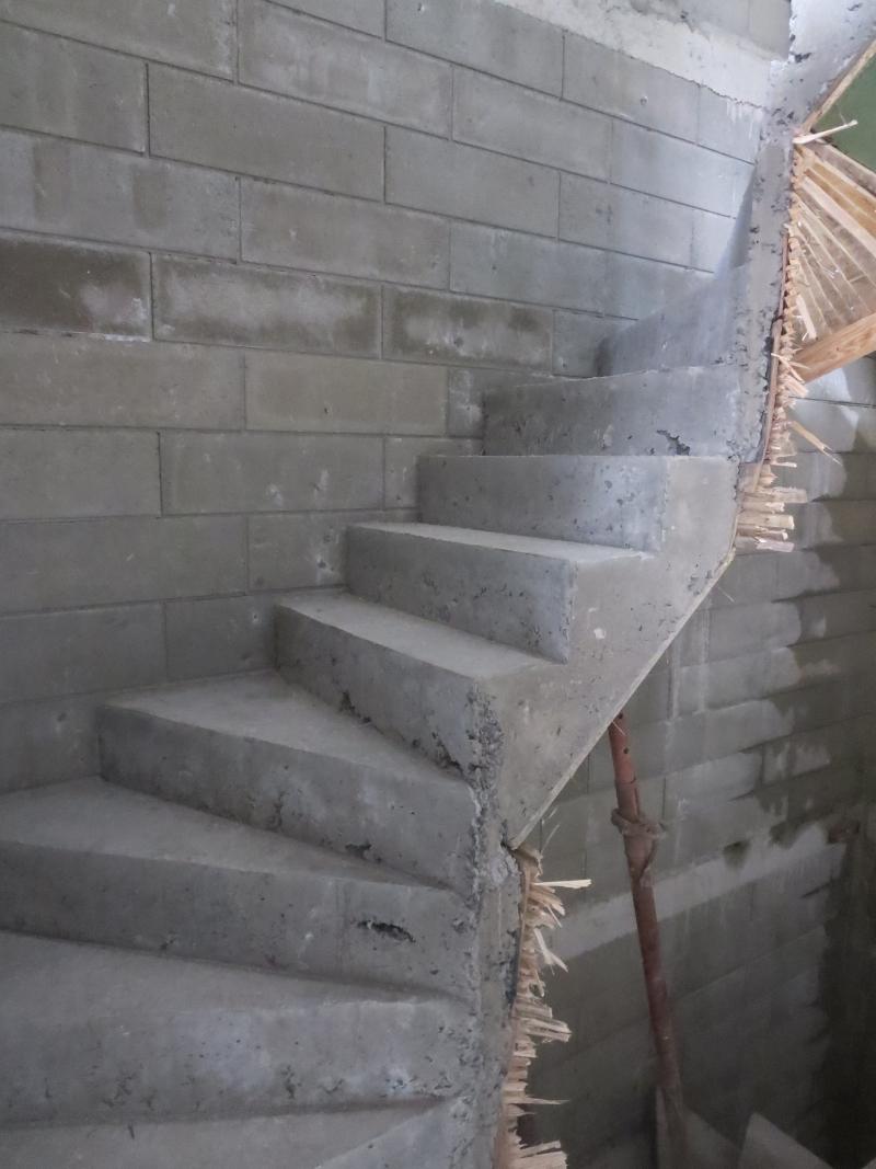 L int rieur de la maison cloisons escaliers maison for L interieur de la maison